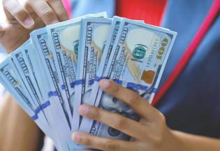 Курс долара на сьогодні: причини коливань і вигідний обмін